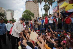 Maduro anuncia aumento de 54% para trabajadores universitarios y de 100% para las becas estudiantiles