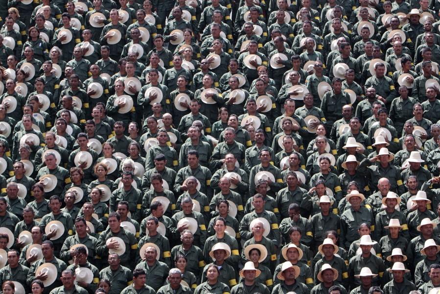 Cientos de miembros de las Milicias Campesinas este 20 de febrero de 2010. Foto: ABN