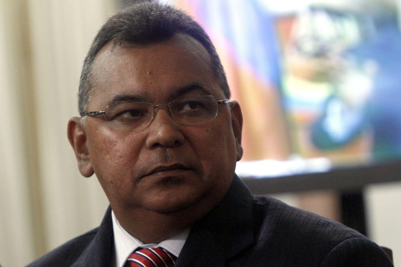 Video ch vez jurament a seis nuevos ministros de su for Nuevo ministro de interior y justicia