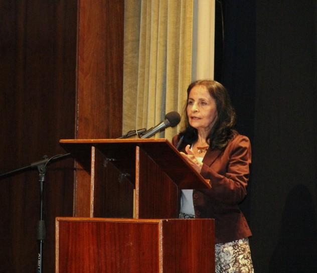 Carmen_Bohorquez_Intelectuales_expresan_solidaridad_a_Chavez2