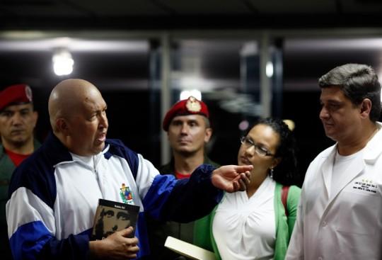 Foto de archivo del Presidente Chávez en el Hospital Militar en 2011.