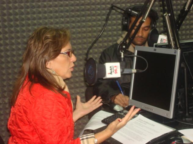 Cada viernes, Jefa de Gobierno modera programa en Alba Ciudad 96.3 FM