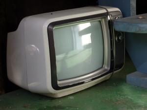 """Los televisores antiguos, así sean CRT o """"culones"""", como este, podrán funcionar perfectamente con TDA, sólo hay que conectarles un receptor."""