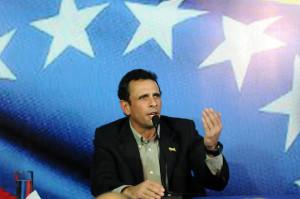 "CAPRILES ACEPTA OFICIALMENTE LA CANDIDATURA DE LA OPOSICI""N VENEZOLANA"