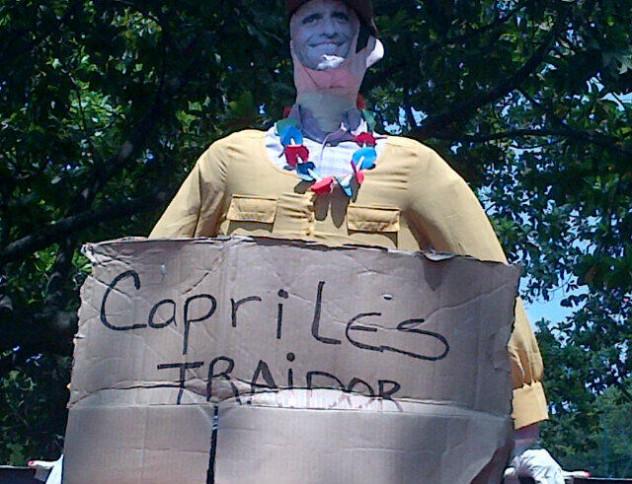 El Judas Capriles que fue quemado en caravana desde el Parque Generalísimo Francisco de Miranda. Foto: @pamevenezolana