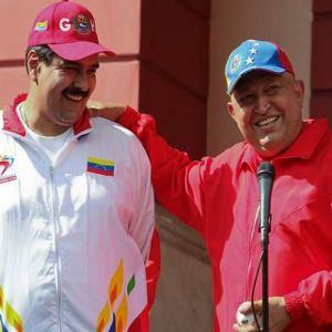 Chavez-y-Nicolas-Maduro