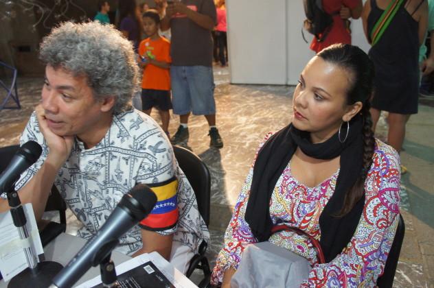 """Leonel Ruiz, invitado en el programa """"Música Emergente"""" conducido por Gustavo Velásquez. Foto: Luigino Bracci"""
