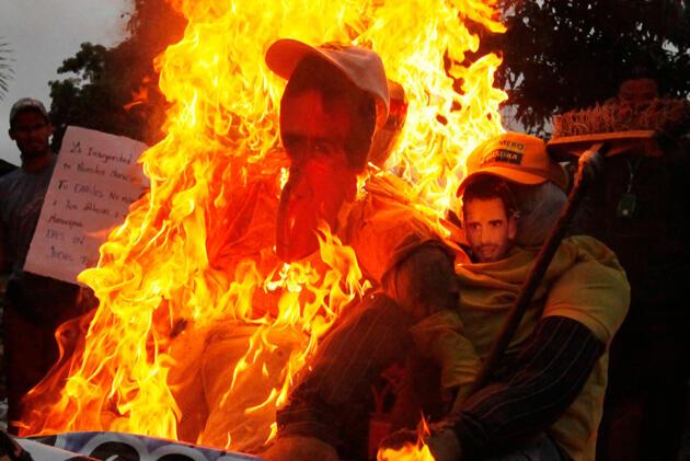 En el estado Miranda, Capriles y Ocariz fueron víctimas de las llamas. Foto: @LuisG0169