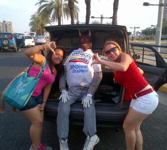 """Otro """"Capriles"""" que fue quemado en Puerto Ordaz, estado Bolívar. Foto: @mersuvcandanga"""