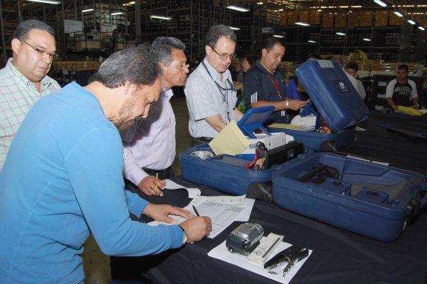 Auditoría a las áquinas realizada en noviembre de 2012. Foto: Correo del Orinoco