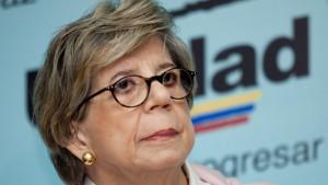 Teresa Albanes fue multada en 2012 por ordenar la quema de cuadernos electorales de las primarias de la oposición.