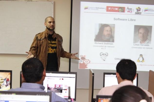 Carlos Gil Software Libre y Edición de Audio (Facilitador)