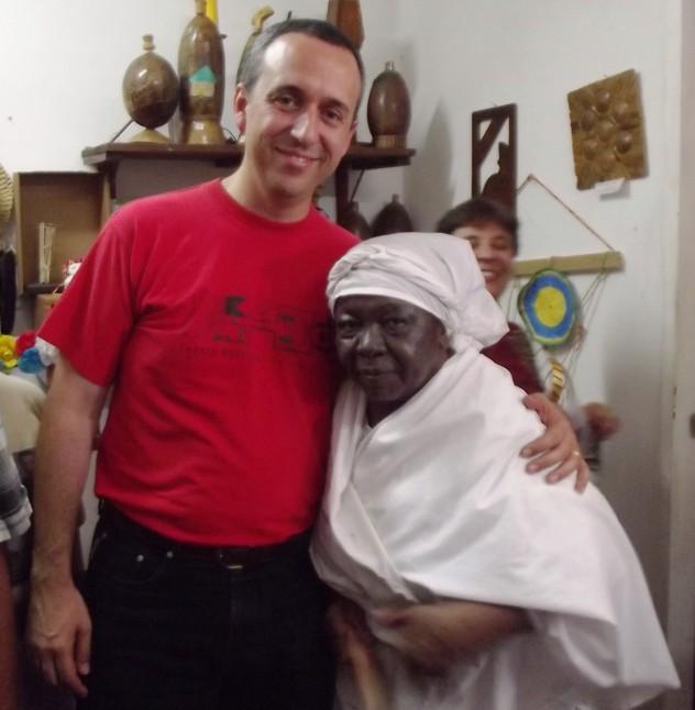 Foto  4 Ministro Fidel Barbarito posa con Mama Hipólita