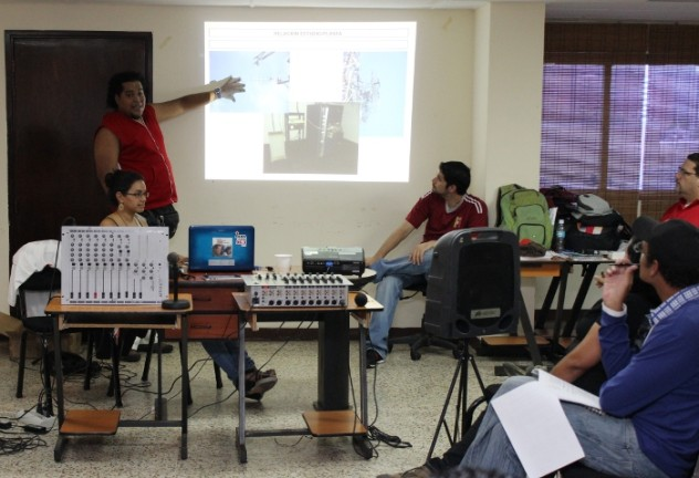 José G. Sánchez (Facilitador) Taller Técnico de Radio