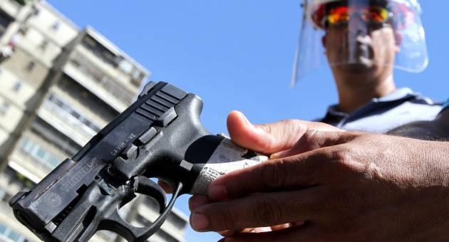 Suspenden de manera temporal porte y tenencia de armas en for Porte y tenencia de armas de fuego en republica dominicana
