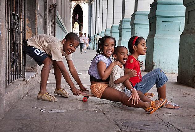 Niños en La Habana. Foto: Jorge Royan