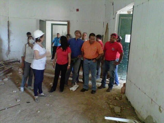 Gobernadora Stella Lugo inspecciona avances de estudio en el museo; foto publicada el 2 de agosto. Foto: @ORI_FALCON