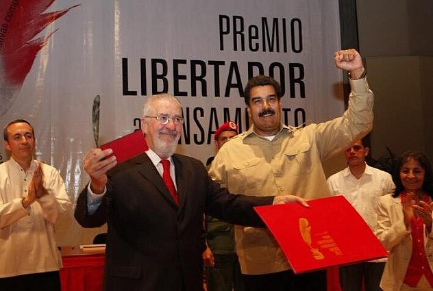 Atilio Borón y el Presidente Maduro (Foto: Prensa Presidencial)