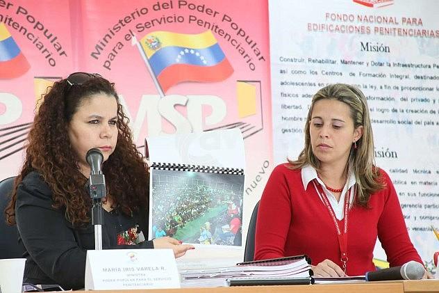 Ministra Iris Varela y la  arquitecta Adrilú Álvarez Marcano,  presidenta del FONEP. Foto: AVN