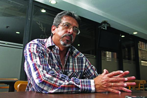 El investigador Carlos Hernández sostiene que con las maderas tropicales se pueden hacer cuerpos sonoros para que suenen obras sinfónicas