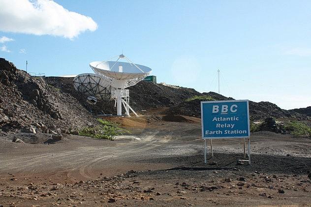 Antena receptora de la BBC. Foto: Pauline and John Grimshaw en Flickr