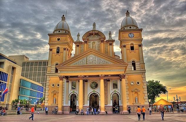 Basílica de Chiquinquirá (Chinita) Maracaibo, por cesanchezduran @Flickr