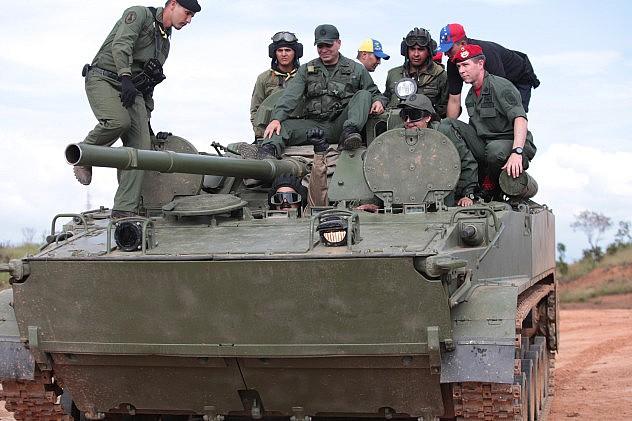 maduro_ejercicios_militares_cojedes_41384392929