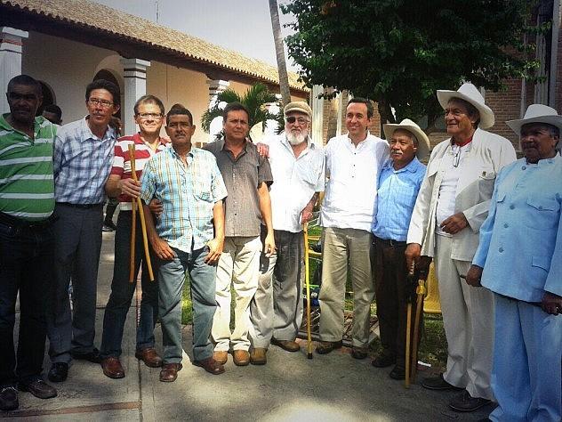 Barbarito con maestros del garrote I Encuentro Nacional de Garrote. Foto: @mppculturalara