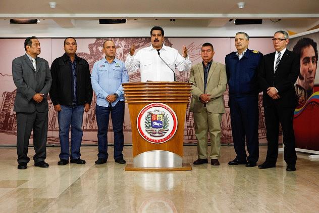 maduro_promulagacion_decreto_vehiculos_11386125104