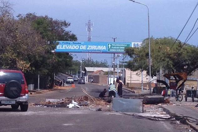 Las trancas en Maracaibo continuaban este martes