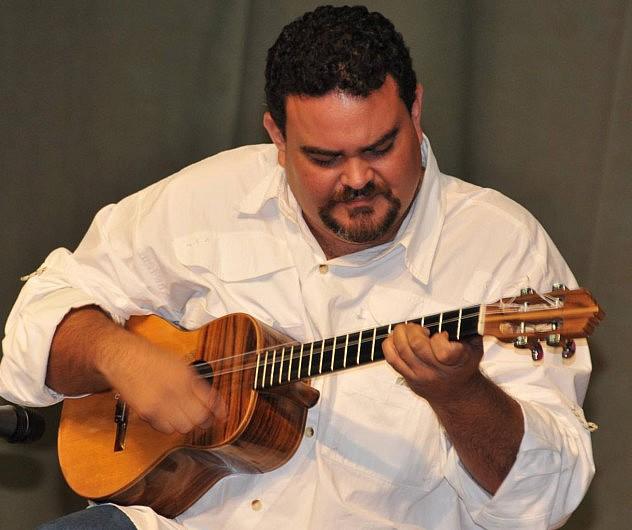 1. Gustavo Colina