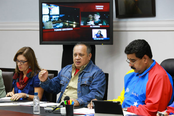 Presidente-Nicolás-Maduro-en-reunión-de-seguridad-2