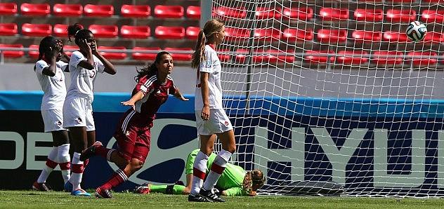 Deyna Castellanos celebra tras anotar el primer gol. Foto: Getty Images/Fifa