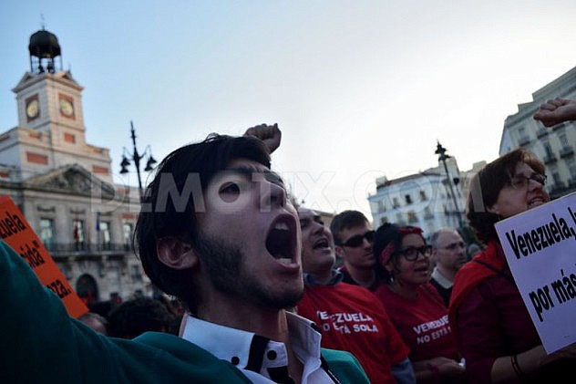 1397251099-marcha-en-madrid-en-apoyo-al-gobierno-de-nicols-maduro_4447356
