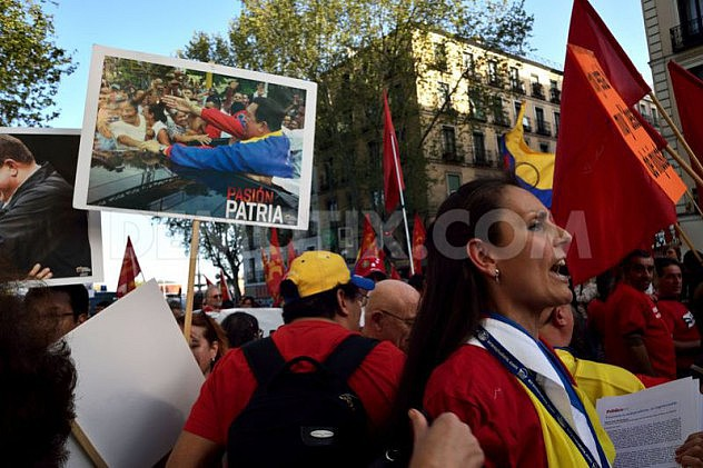 1397251135-marcha-en-madrid-en-apoyo-al-gobierno-de-nicols-maduro_4447380