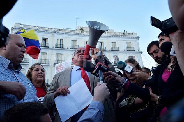 1397251160-marcha-en-madrid-en-apoyo-al-gobierno-de-nicols-maduro_4447392