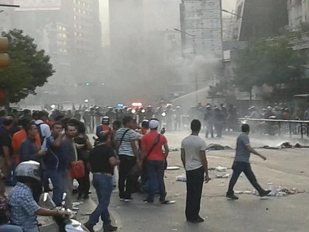 Controlan el incendio. Foto: @UnTipicoTuitero