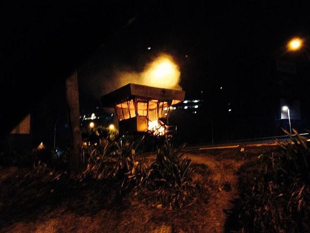 Las personas fueron capturadas cerca del incendio al  módulo policial en Santa Fe