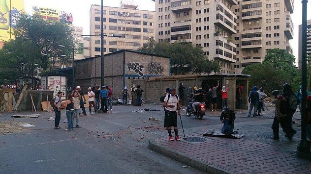 Irrumpieron en el edificio Metro Olimpo en Chacao. Foto: Horacio Siciliano