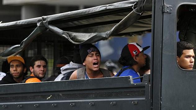 2014-05-14T205558Z_1478443666_GM1EA5F0DN501_RTRMADP_3_VENEZUELA-PROTESTS