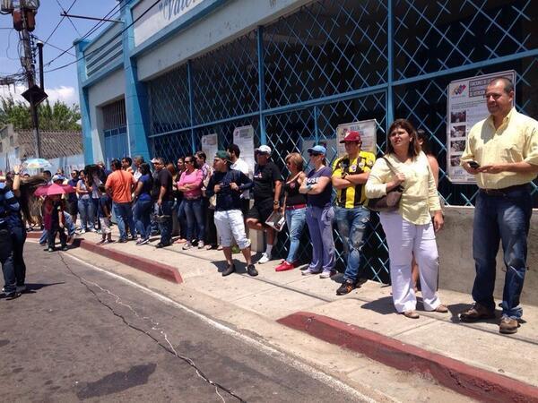 Colas para votar en San Diego