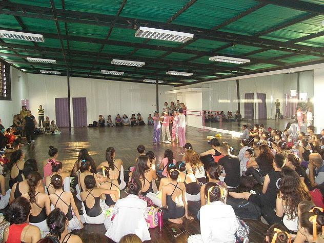 La Escuela Nacional de Danza se unió al festejo regional