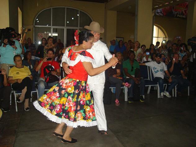 Muestra de joropo de Táchira ofrecieron los ponentes a los asistentes