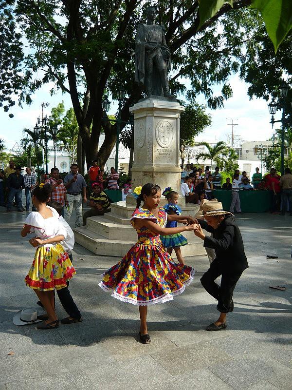 El joropo le canto a Bolìvar