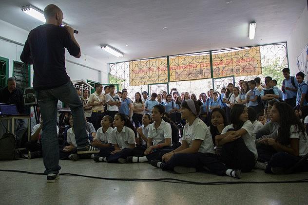 FESTIVAL DE POESIA TALLER DE LIRICA DEL RAP Baja-1