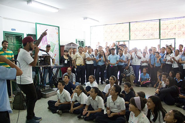 FESTIVAL DE POESIA TALLER DE LIRICA DEL RAP Baja-8
