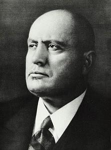 20120322200803!Mussolini_biografia