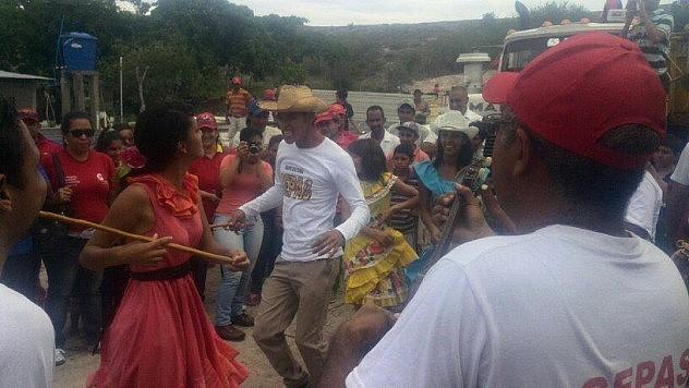 Los Sones De Negro acompañaron la jornada de construcción de la Base de Misiones en Lara