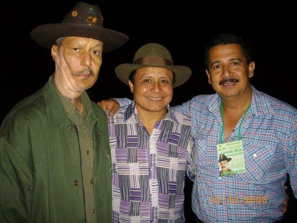 Gerardo Brito (izq.) junto a Cruz Tenepe