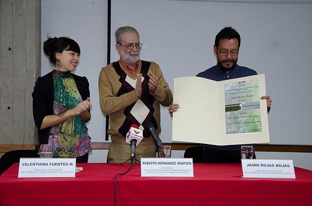 Premiacion de Poesia Fernando Paz Castillo y Bautizo del Libro Los Plegamientos del Agua baja-8